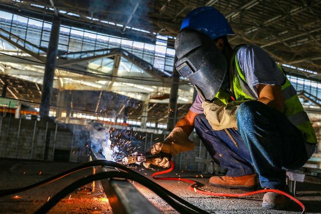 组图丨美兰机场二期项目航站楼精装修已完成15%
