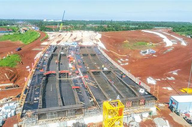 海口绕城公路美兰机场至演丰段路基工程完成过半