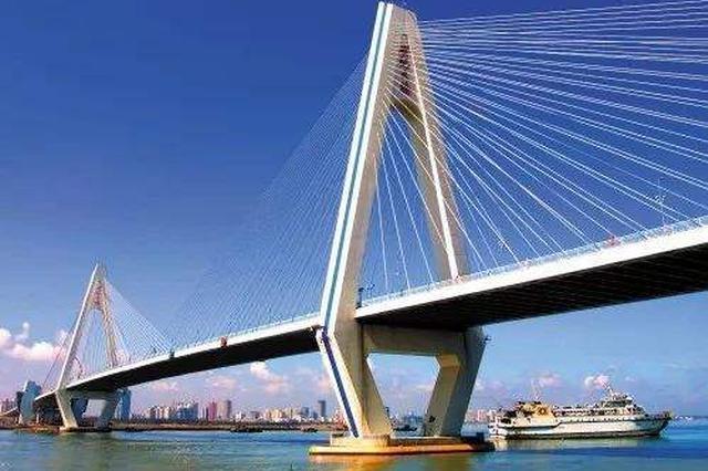 世纪大桥主塔区安限高架?回应:为养护搭建防护设施