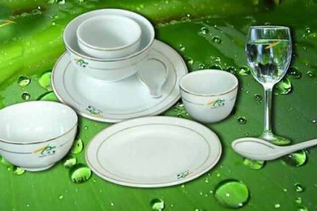 """海南4家单位使用的餐具不合格,海中第三食堂上""""黑榜"""""""