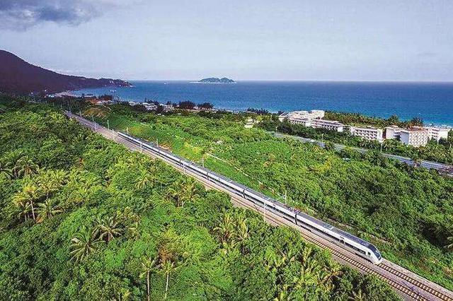 海南环岛高铁、海口市郊列车10日起实施新列车运行图