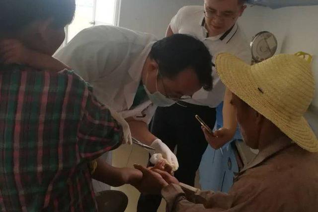 2岁小孩不慎烫伤 海口琼山帮扶责任人及时送医救治