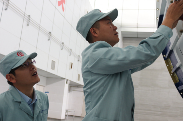 文昌、西昌两地航天人协同奋战为祖国庆生