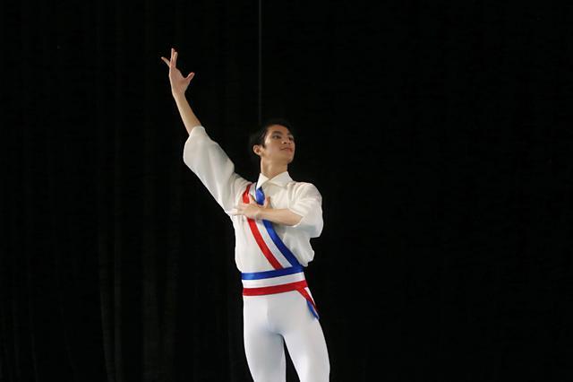 海南芭蕾小将荣获美国芭蕾舞比赛亚太区第三名