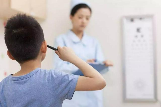 海南学生眼疾病筛查项目走进保亭提供免费筛查服务