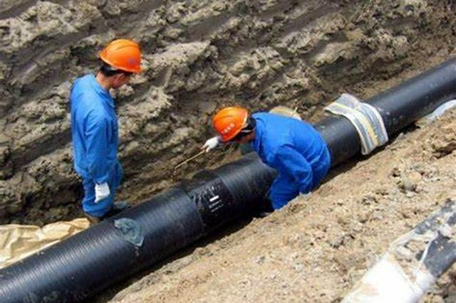 """海口385名排水工人全力应对台风""""圆规"""""""