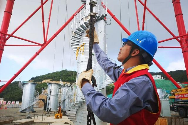 截至14日20时 海南261条跳闸线路已恢复送电239条
