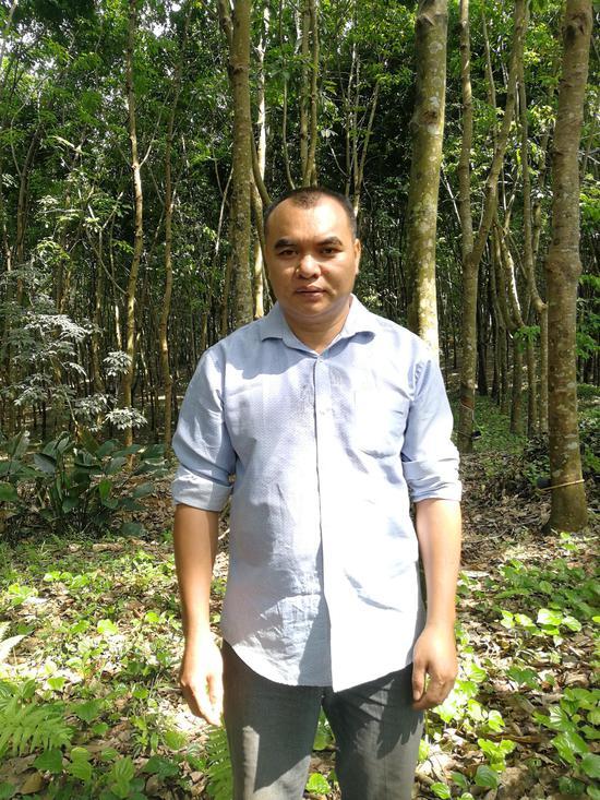 """王广国:""""我不怕辛苦,也不怕失败,我只想要找出适合带动村民发展的路子"""""""