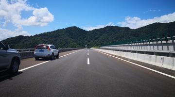 海南最美高速这个月底即将开通