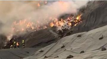 澄迈一露天垃圾堆场疑遭雷击起火
