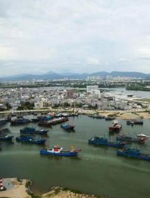 海口海事局密切监控出海渔船