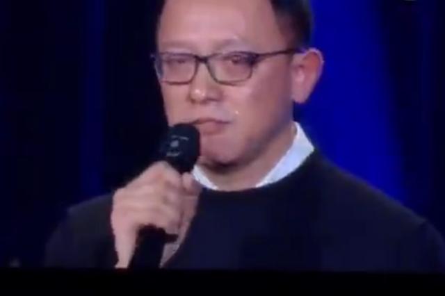 歌手2洪涛落泪:没请到大家期待的歌手 但我尽力了