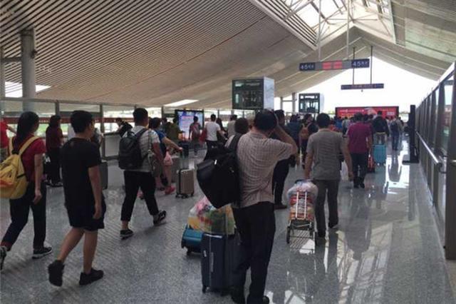 三亚火车站春节假期发送旅客17.63万人 突破历史新高