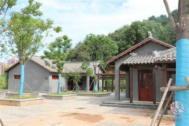 武汉江夏环山绿道9座江南民居风格公厕对游人开放