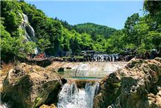 游在绿林山 情迷美人谷