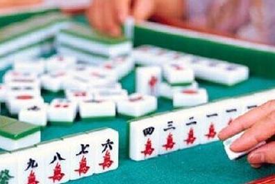 麻将声太大引来警察 黄石四男子赌博被拘留