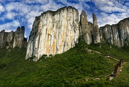 《地理中国》——秘境洞天·解密恩施大峡谷奇峰身世