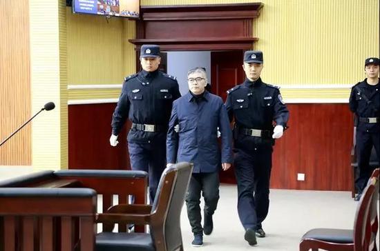 图片来源:荆州市中级人民法院官方微信