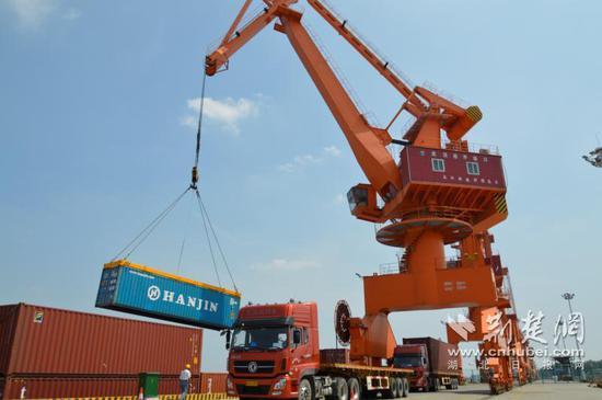 《【摩登2登陆地址】汉南港区将成国家一类水运口岸 年经济效益将超10亿元》