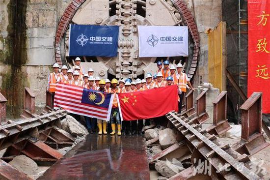 鄂企承建首条海外地铁隧道在马来西亚吉隆坡贯通