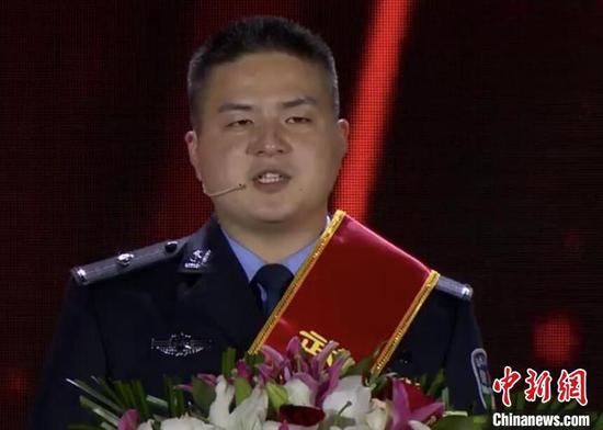 涂可蔼 武汉电视台直播截图