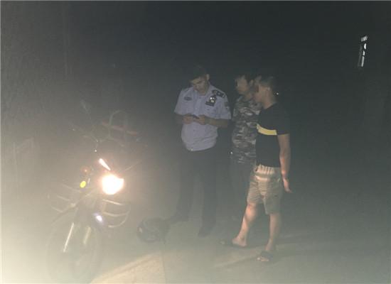 民警帮助找回被盗摩托车 通讯员 李丹 摄