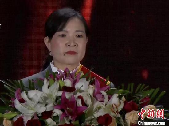 熊焱 武汉电视台直播截图