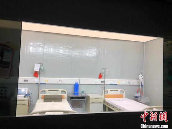 武汉举行抗疫专题展 千余件实物诉说战疫故事(图)