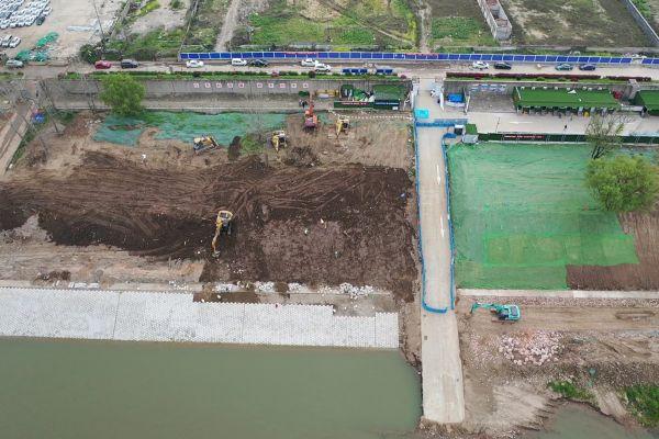 近200名建设者持续奋战 长江防洪工程加速复工