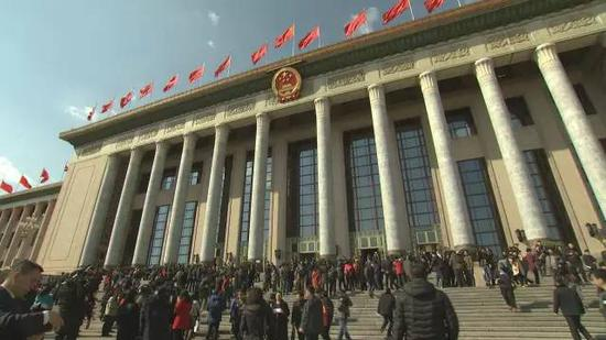 """今年,中国共产党将召开第十九次全国代表大会,也是实施""""十三五""""规划的重要一年、推进供给侧结构性改革的深化之年。"""