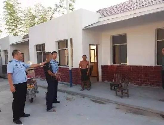 8月9日,通过视频信息对比、大量的走访调查等侦查工作,通城县北港派出所成功将犯罪嫌疑人胡某抓获。