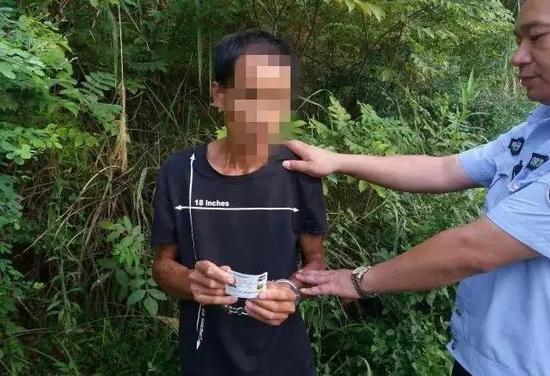 目前,胡某因入户盗窃罪已被公安机关刑事拘留。