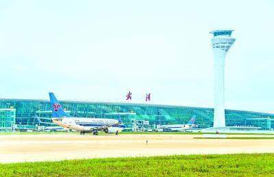 昨早7:20, 随着南航CZ6175航班起飞,标志着武汉天河机场T3航站楼正式启用。