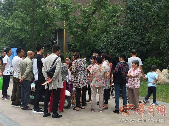 还有10多天就是中秋节了,因为一场意外的发生,母子俩和他们的家人,再也无法在一起团圆了。