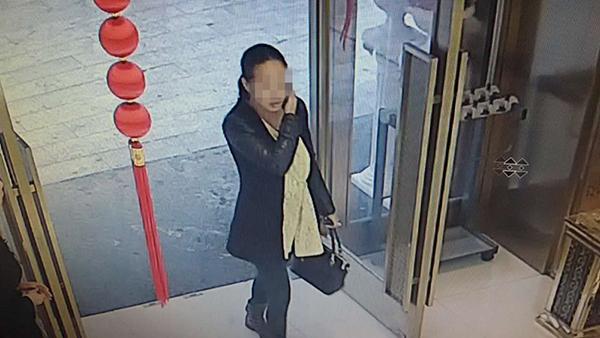 湖北一女子欠赌债后大白天盗窃 被民警偶遇抓获(图)