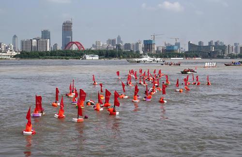 360余名选手参加武汉渡江节测试赛