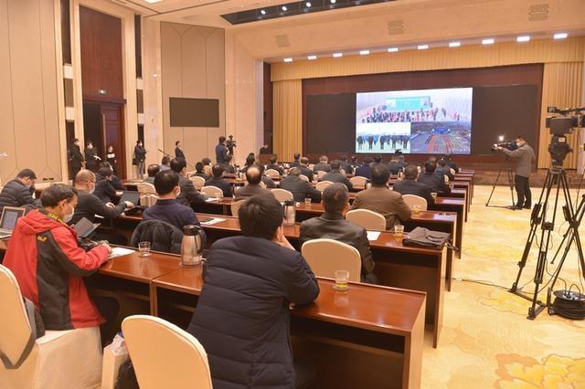 湖北111个重大交通运输项目集中开工 王晓东出席