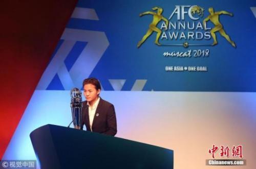 """资料图:王霜当选""""亚洲足球小姐""""。"""