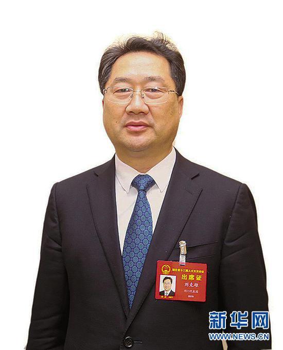 湖北省人大代表、沙洋县委书记刘克雄。新华网发