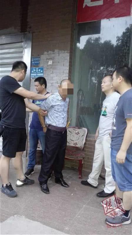 原标题:湖北破获一起命案:女子被男友怀疑出轨 当街遇害