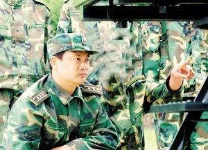 陈光军在原第二炮兵任职的照片(解放军报)