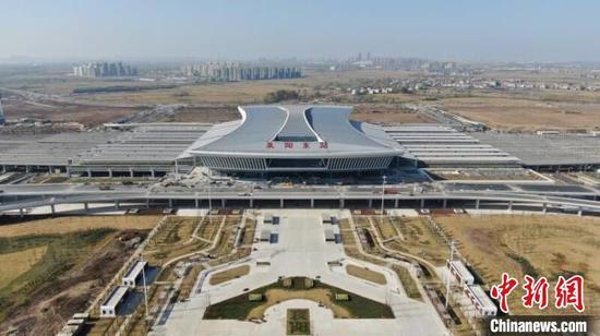 航拍汉十高铁襄阳东站(资料图) 杨东 摄