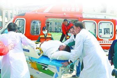 心血管外科副主任吴志勇副教授紧急处置病情