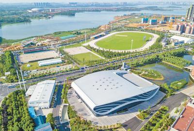 武汉商学院体育场馆,将举办军运会击剑、游泳和马术3项赛事。 军运会执委会供图
