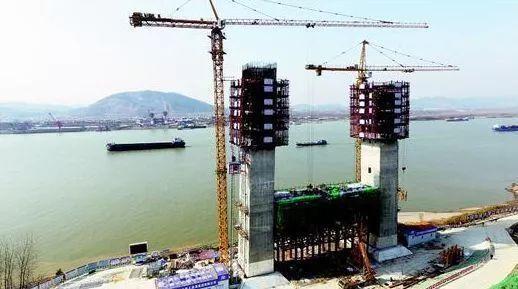 项目进度:预计今年10月份建成通车