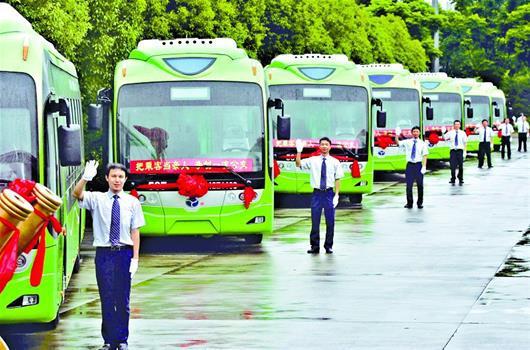 实时显示到站信息 智能公交铺平武汉市民出行路