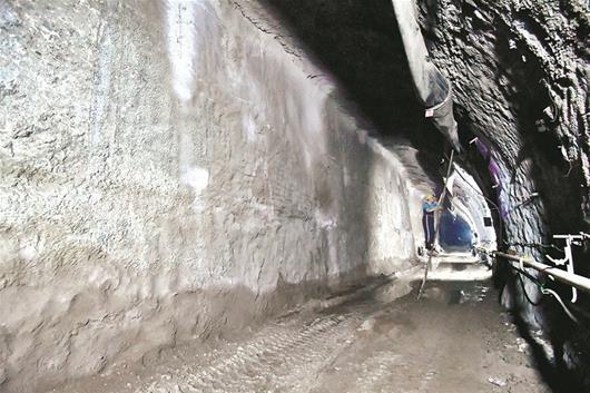 武汉地铁纸坊线全线隧道贯通 年底与7号线贯通运营