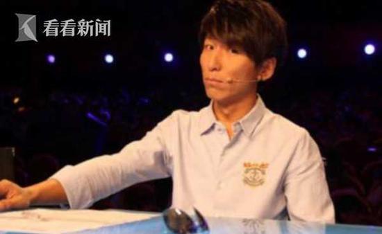 男子KTV唱羽泉的《冷酷到底》 竟被朋友怂恿吸毒