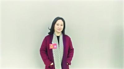 冯莉 记者张隽玮 摄