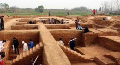 全国百名考古专家齐聚天门 把脉石家河遗址公园建设